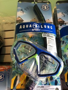 Aqua Lung Explore Series: Saturn Mask. Shatter resistant PC lens for durability and clear vision. One way purge valve for easy clearing of water. $45