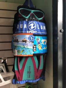 Aqua Lung Sport Play Series (kids 6+) set. Contains Urchin Mask, Pike Jr Snorkel, Zinger Jr Fins. $75