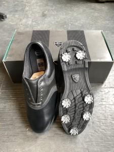 Nike Air Comfort golf shoes. $20